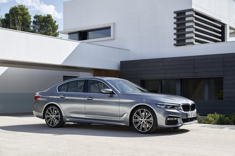 2017 BMW 5 Series High Resolution Exterior - image 703220
