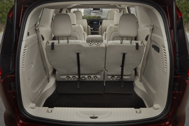 2017 Chrysler Pacifica - image 702351