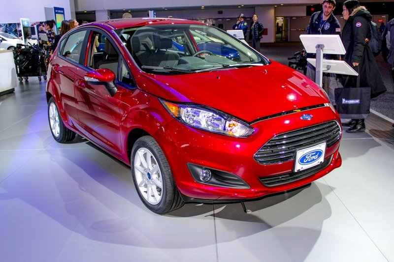 2017 Ford Fiesta High Resolution Exterior AutoShow - image 703194