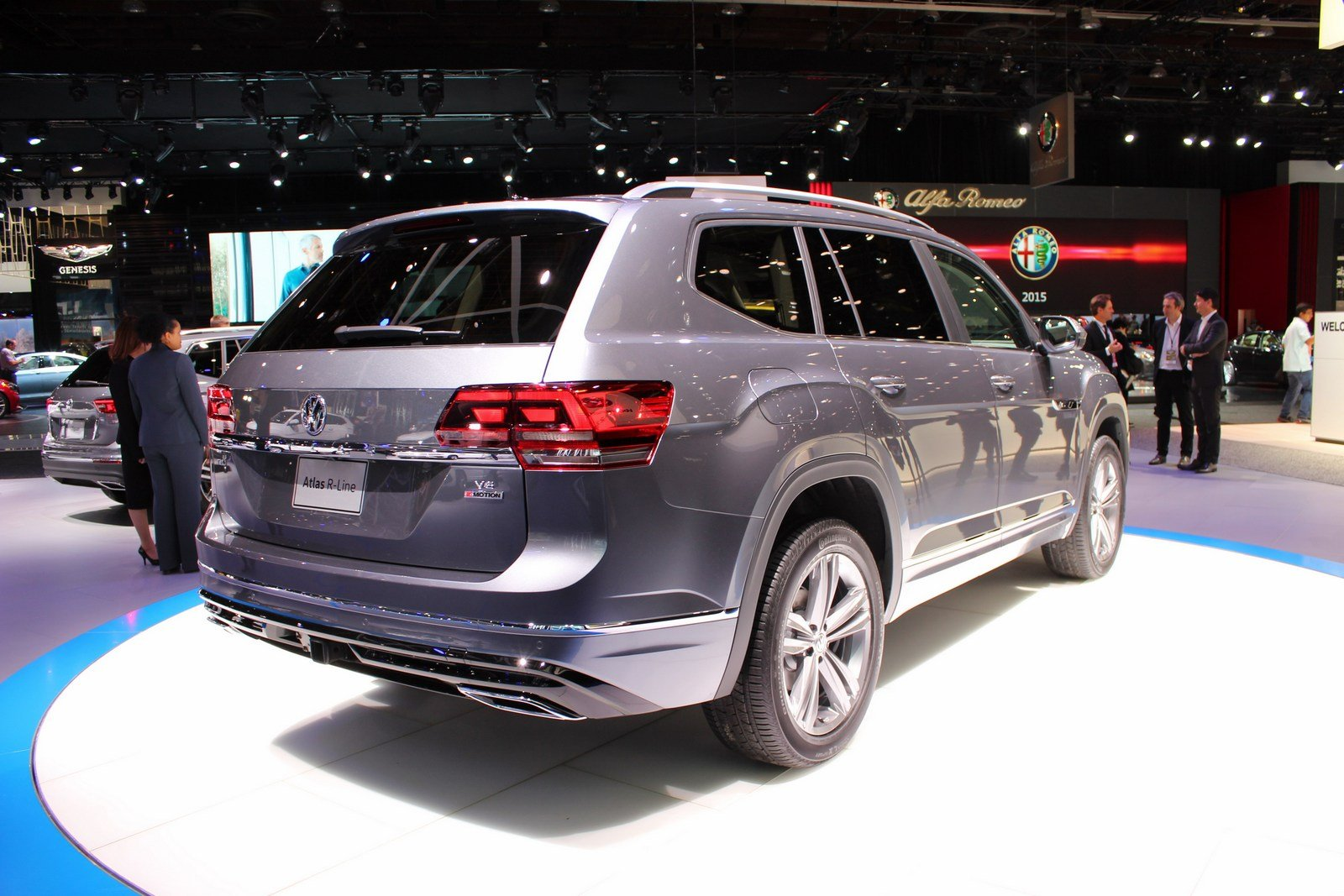 2017 volkswagen atlas r line picture 701062 car review top speed. Black Bedroom Furniture Sets. Home Design Ideas