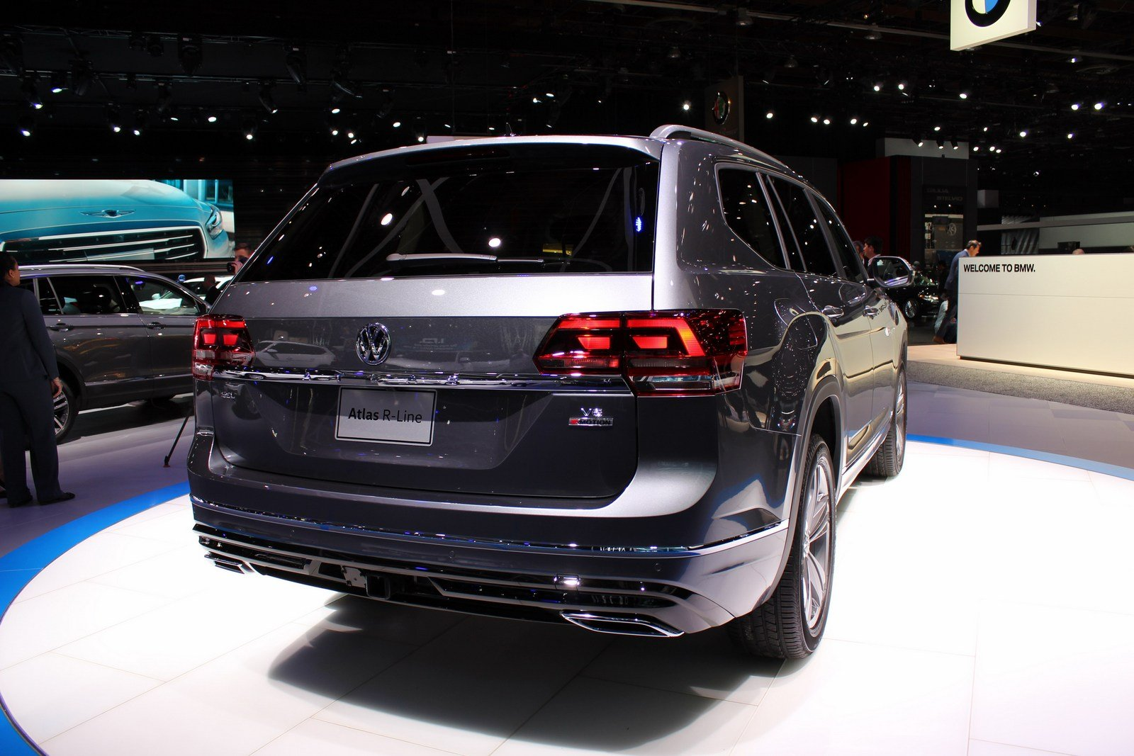 2017 volkswagen atlas r line picture 701064 car review top speed. Black Bedroom Furniture Sets. Home Design Ideas