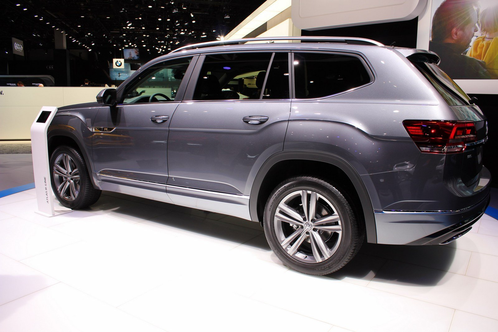 2017 volkswagen atlas r line picture 701067 car review top speed. Black Bedroom Furniture Sets. Home Design Ideas