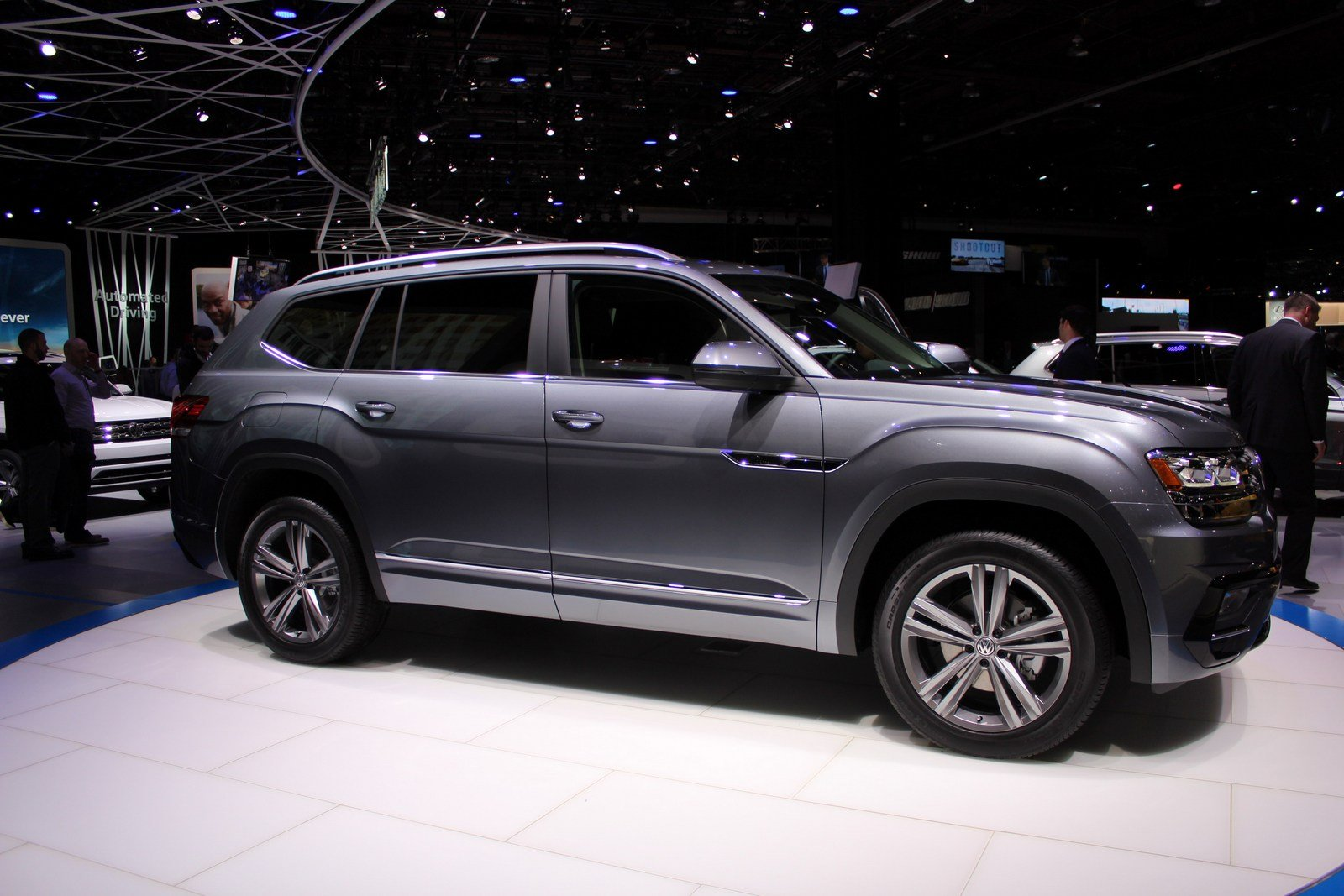 2017 volkswagen atlas r line picture 701057 car review top speed. Black Bedroom Furniture Sets. Home Design Ideas