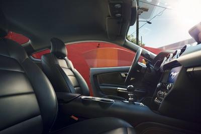 2018 Ford Mustang - image 702250