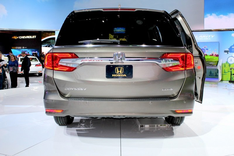 2018 Honda Odyssey High Resolution Exterior AutoShow - image 702267