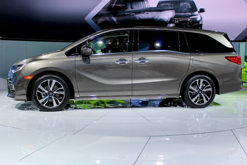 2018 Honda Odyssey High Resolution Exterior AutoShow - image 702263