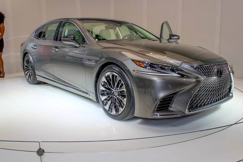 2018 Lexus LS 500 High Resolution Exterior AutoShow - image 702643