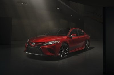 2018 Toyota Camry - image 703838