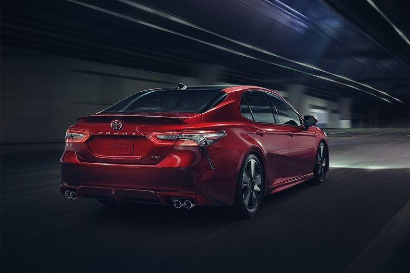 2018 Toyota Camry - image 703839