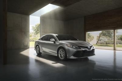 2018 Toyota Camry - image 700682