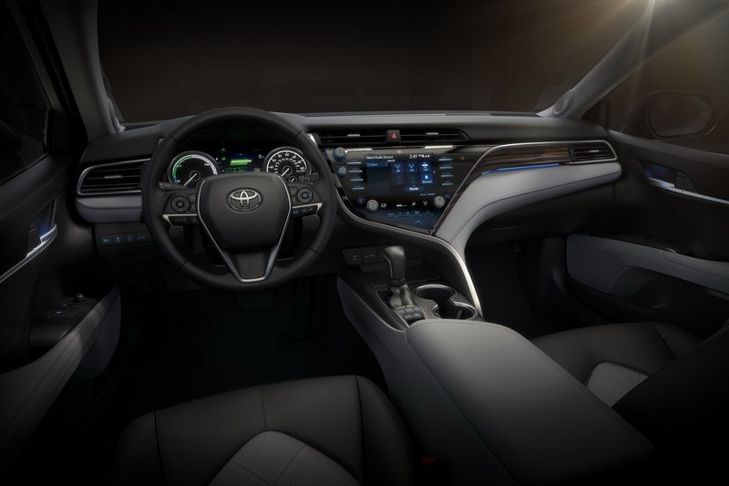 2018 Toyota Camry Wows Detroit with Gorgeous Design High Resolution Interior - image 701702