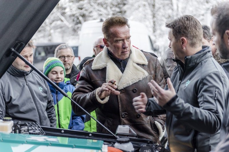 Arnold Schwarzenegger Goes Terminator on Climate Change; Gets Custom, All-Electric Mercedes G-Class High Resolution - image 703536