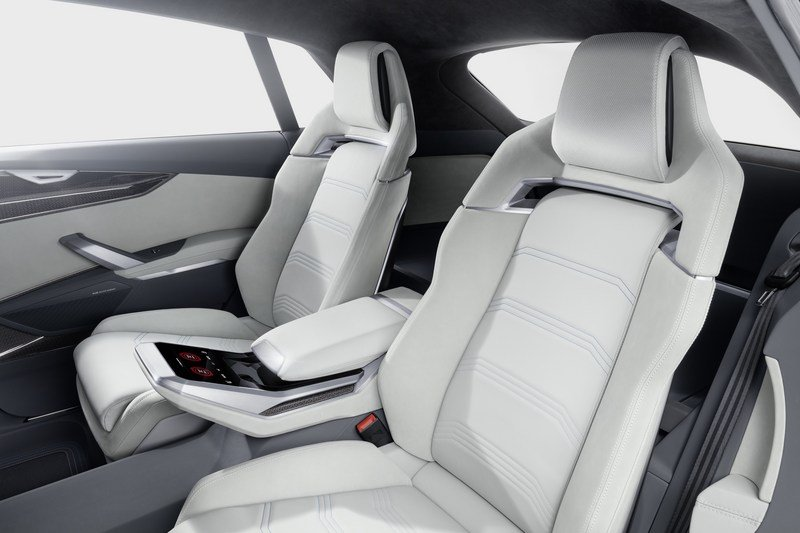 2017 Audi Q8 E-tron Concept Interior Computer Renderings and Photoshop - image 700410