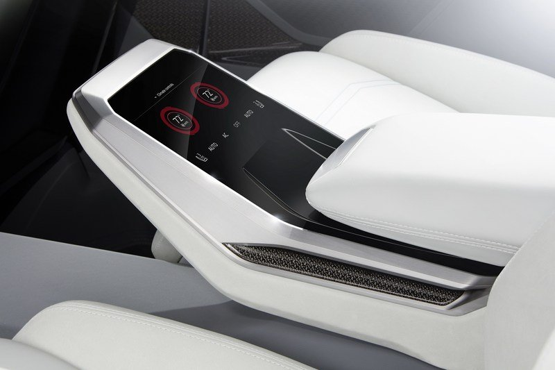 2017 Audi Q8 E-tron Concept Interior Computer Renderings and Photoshop - image 700413