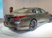 Five Cool Design Features That Lexus Introduced with the New LS - image 701760