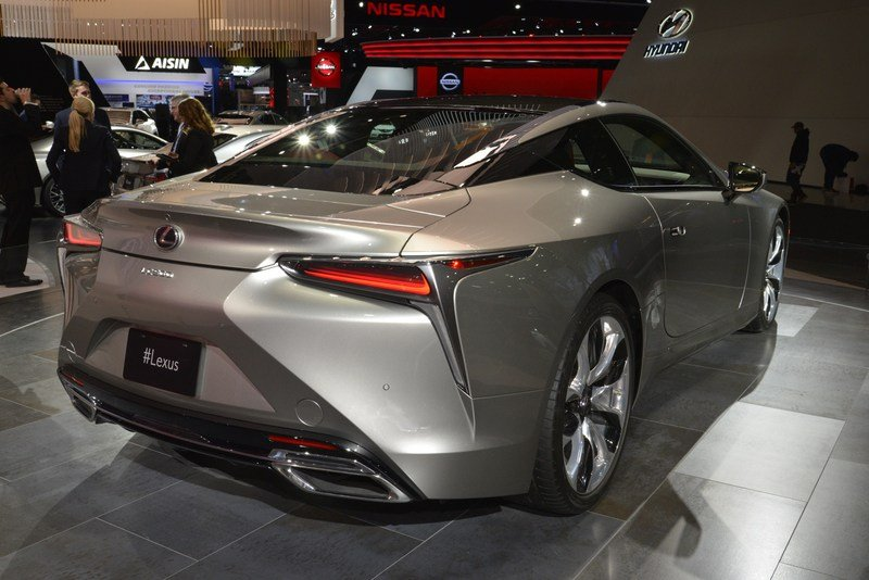 Five Cool Design Features That Lexus Introduced with the New LS High Resolution Exterior AutoShow - image 701763