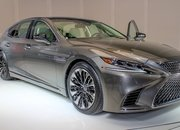 Five Cool Design Features That Lexus Introduced with the New LS - image 701764