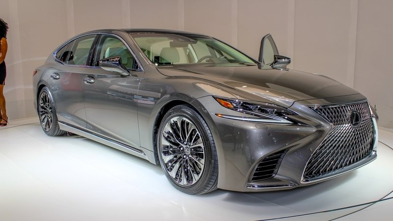 Five Cool Design Features That Lexus Introduced with the New LS