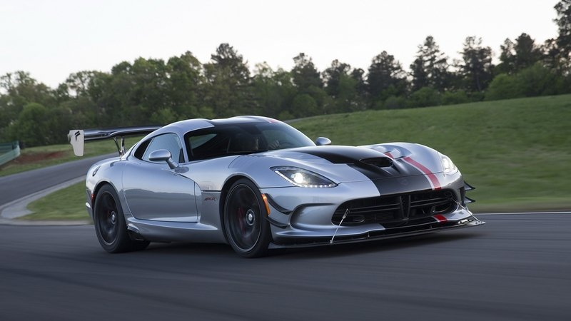 Here's Your Chance To Send The Dodge Viper ACR Back To The Nürburgring