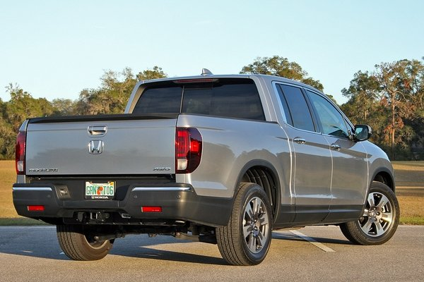 2017 honda ridgeline driven truck review top speed. Black Bedroom Furniture Sets. Home Design Ideas
