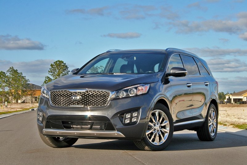 2017 Kia Sorento SXL – Driven High Resolution Exterior - image 701872
