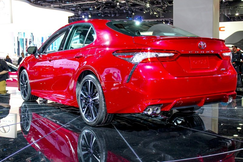 Looking to Buy a BMW 5 Series? Here's Why You Should Get the New Toyota Camry Instead High Resolution Exterior AutoShow - image 701705