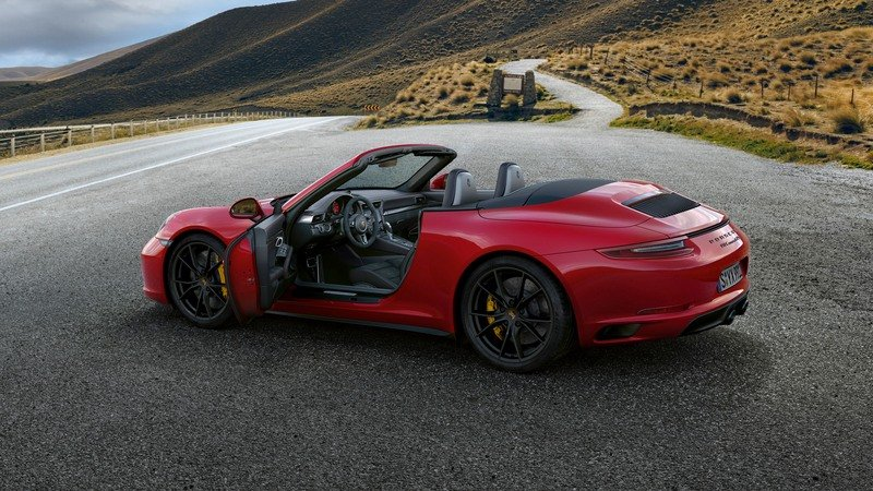 New Porsche 911 GTS Now Has Turbochargers, Gets More Power High Resolution Exterior - image 700441
