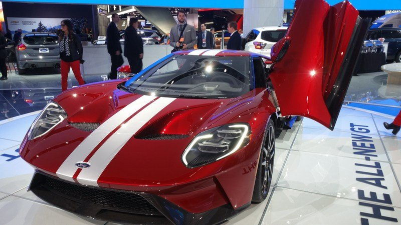 Spoiler Alert: The New Ford GT Supercar Is Not Fuel Efficient