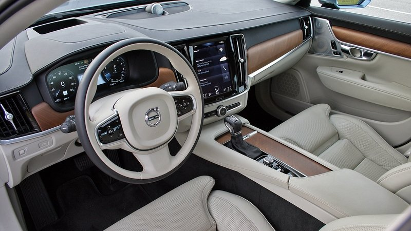 The Impeccable Interior of the 2017 Volvo S90