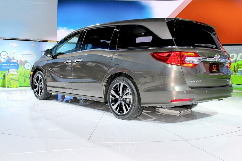 The New Honda Odyssey Stole the Show from Chevy in Detroit High Resolution Exterior - image 701610