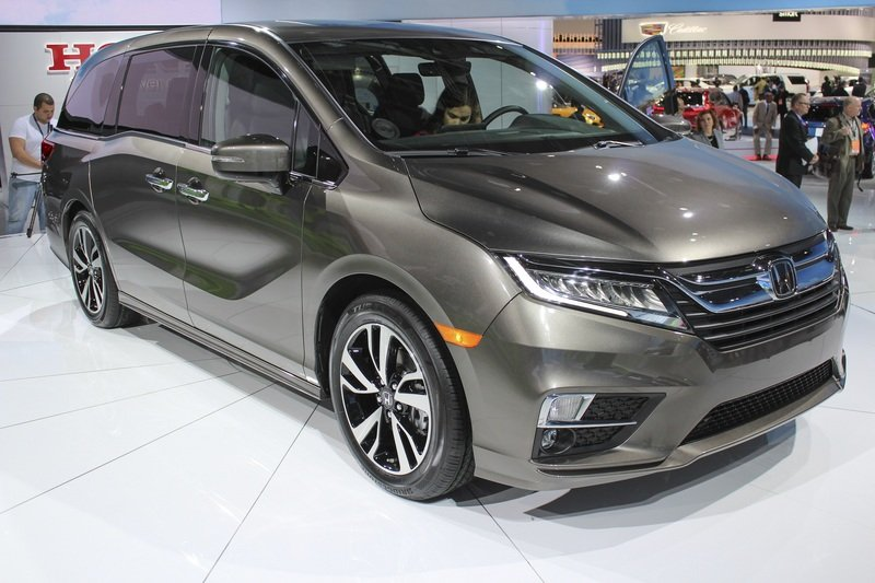 The New Honda Odyssey Stole the Show from Chevy in Detroit High Resolution Exterior - image 701607