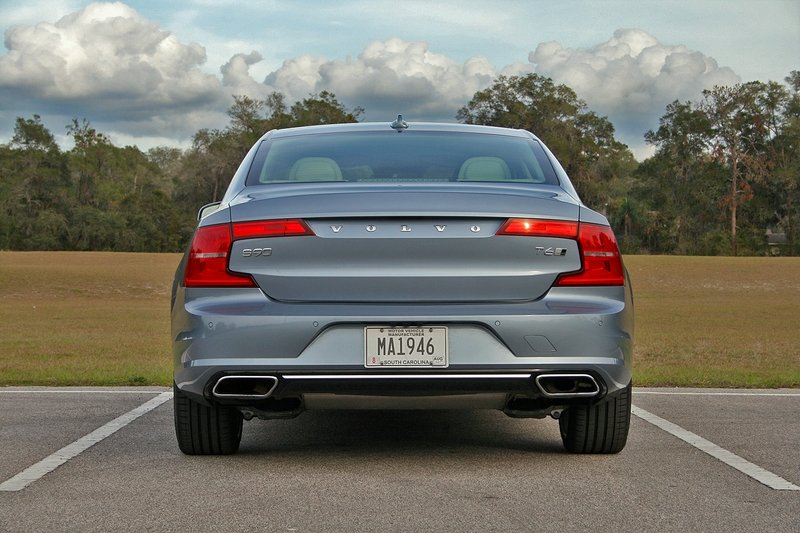 2017 Volvo S90 Inscription – Driven High Resolution Exterior - image 703738
