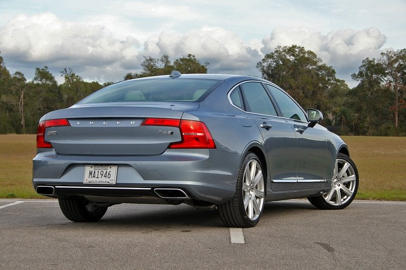 2017 Volvo S90 Inscription – Driven High Resolution Exterior - image 703739