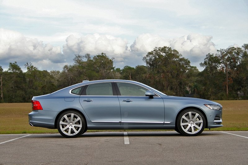2017 Volvo S90 Inscription – Driven High Resolution Exterior - image 703740