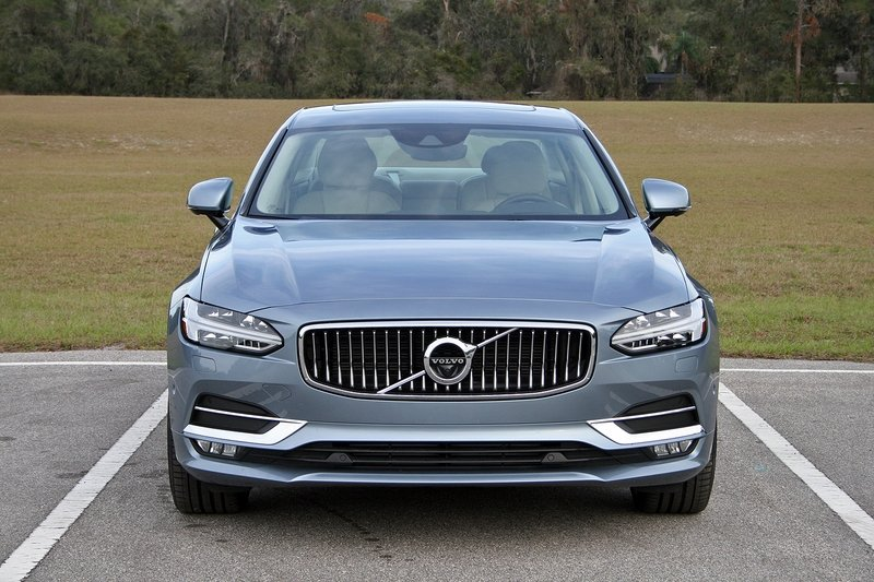 2017 Volvo S90 Inscription – Driven High Resolution Exterior - image 703743