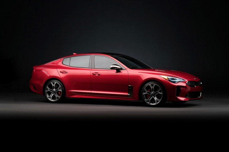 Watch Out BMW 3 Series, The Kia Stinger GT Is Not Messing Around High Resolution Exterior - image 700351
