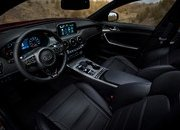 Watch Out BMW 3 Series, The Kia Stinger GT Is Not Messing Around - image 700356