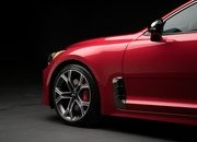Watch Out BMW 3 Series, The Kia Stinger GT Is Not Messing Around - image 700366