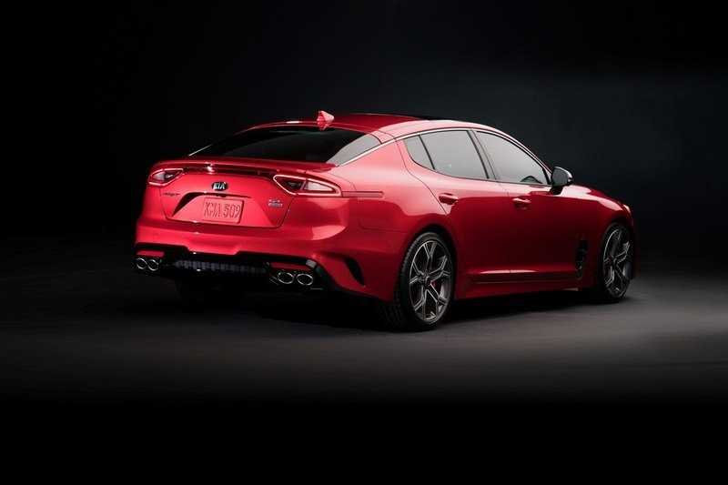 Watch Out BMW 3 Series, The Kia Stinger GT Is Not Messing Around High Resolution Exterior - image 700346