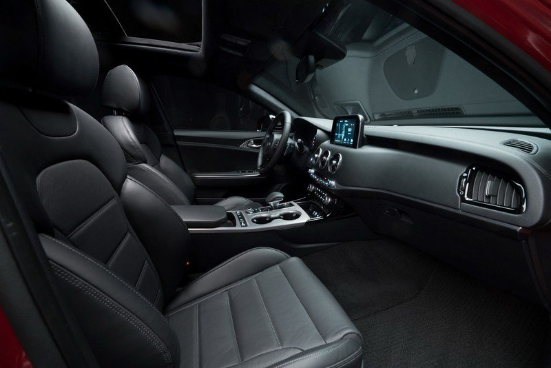 Watch Out BMW 3 Series, The Kia Stinger GT Is Not Messing Around High Resolution Interior - image 700341