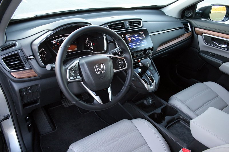 2017 Honda CR-V – Driven High Resolution Interior - image 706001