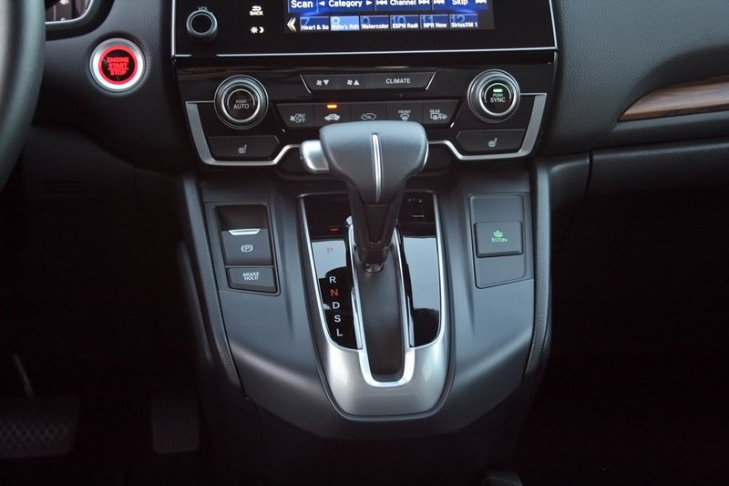 2017 Honda CR-V – Driven High Resolution Interior - image 706010