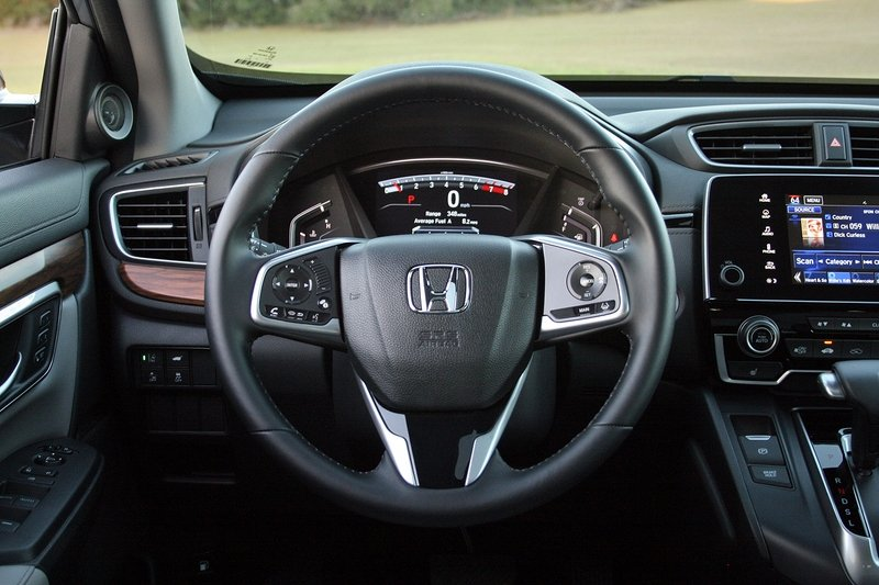2017 Honda CR-V – Driven High Resolution Interior - image 706012