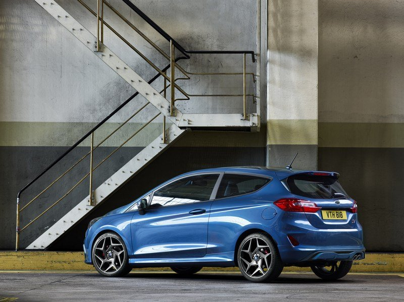 If You're Considering the 2019 Ford Fiesta ST Line, You Might as Well Just Buy the Fiesta ST