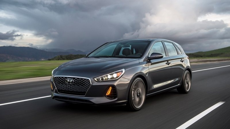 2018 Hyundai Elantra GT High Resolution Exterior - image 705013