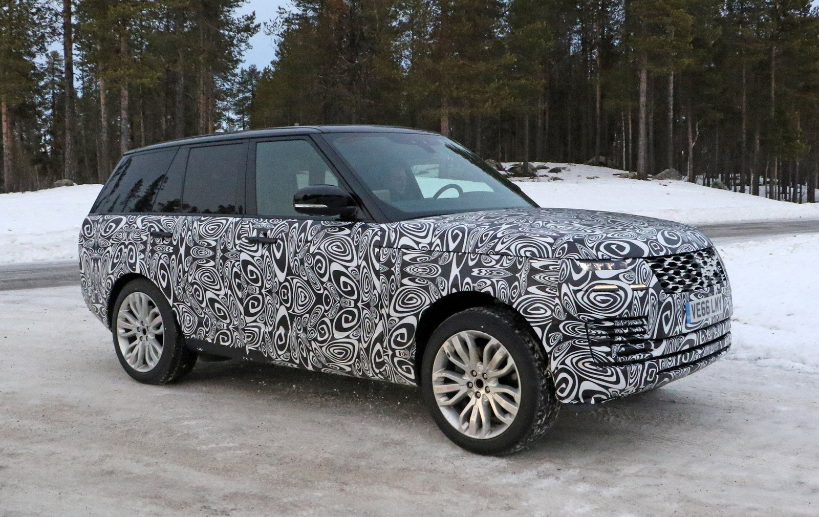 2019 Land Rover Range Rover Plug In Hybrid Picture