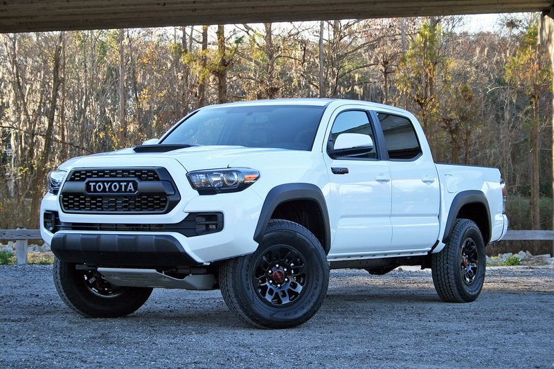 2017 Toyota Tacoma TRD Pro – Driven High Resolution Exterior - image 706490