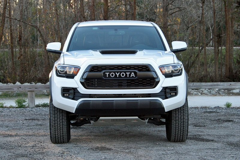 2017 Toyota Tacoma TRD Pro – Driven High Resolution Exterior - image 706496