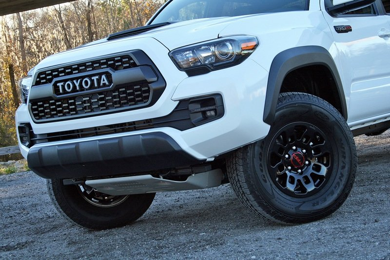 2017 Toyota Tacoma TRD Pro – Driven High Resolution Exterior - image 706497