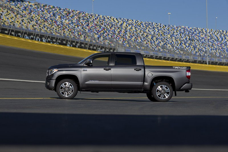 TRD Sport Package Brings Added Styling and Handling Upgrades to 2018 Toyota Tundra and Sequoia High Resolution Exterior - image 704892